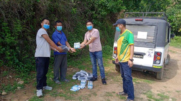 बक्राङका ७७ घरधुरीमा स्वास्थ्य सामग्री वितरण