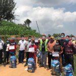 पाइलट बिजय लामाले दिए गोरखाको ५२ घर परिवारलाई खाद्य सामाग्री