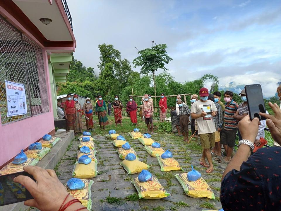 युवा जागरण अभियानद्वारा दलित र अपांगलाई राहत वितरण