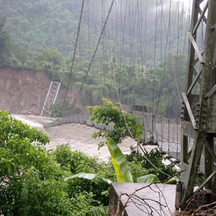 गोरखा र तनहुँ जोड्ने गोप्लिङको झोलुङ्गे पुलमा मर्स्याङ्दीको बाढीले क्षति